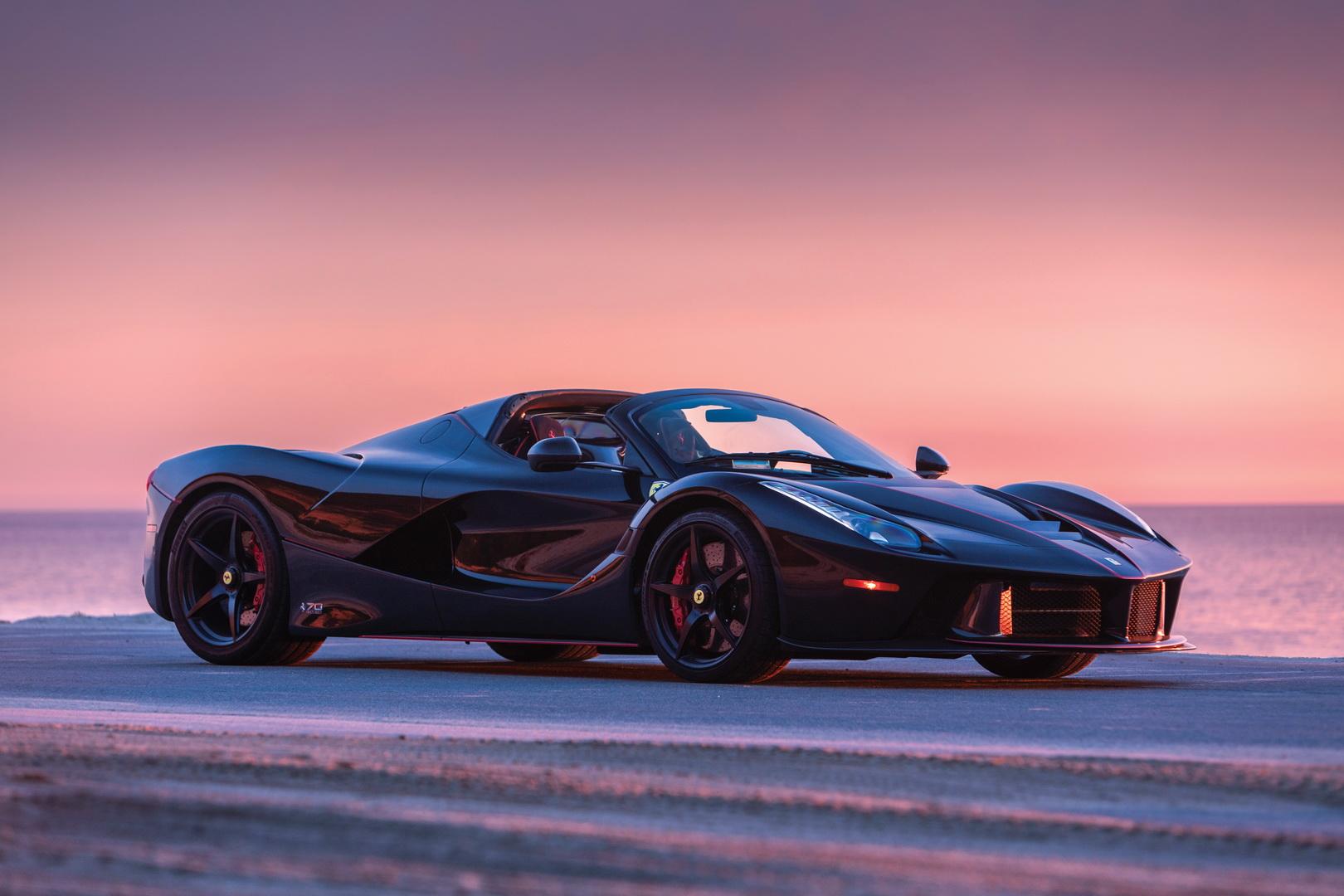 Auta Ferrari zagrożone ryzykiem pożaru