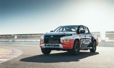 Wyścigowa wersja Mitsubishi L200 w australijskiej serii SuperUte