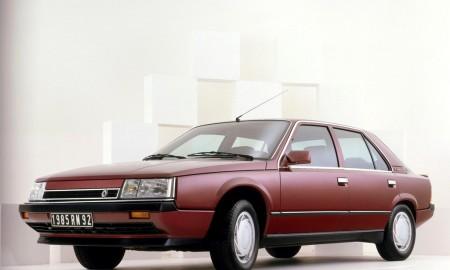 35 lat Renault 25