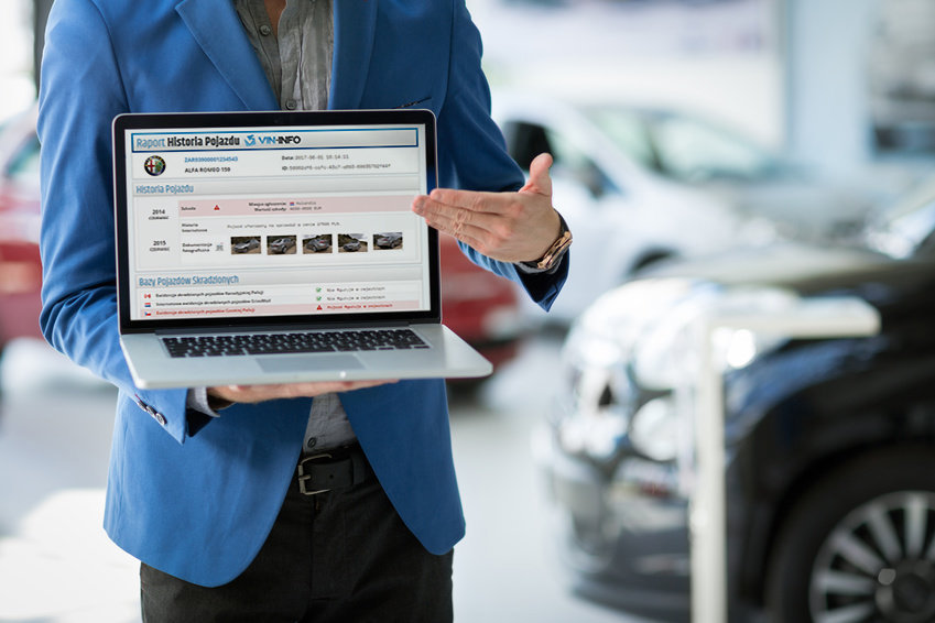 Co trzeci używany pojazd przeznaczony na sprzedaż z odnotowaną szkodą