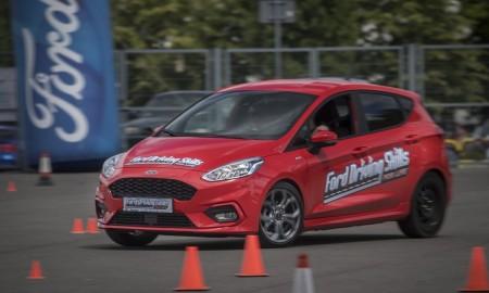 Młodych kierowców gubi brawura i małe doświadczenie