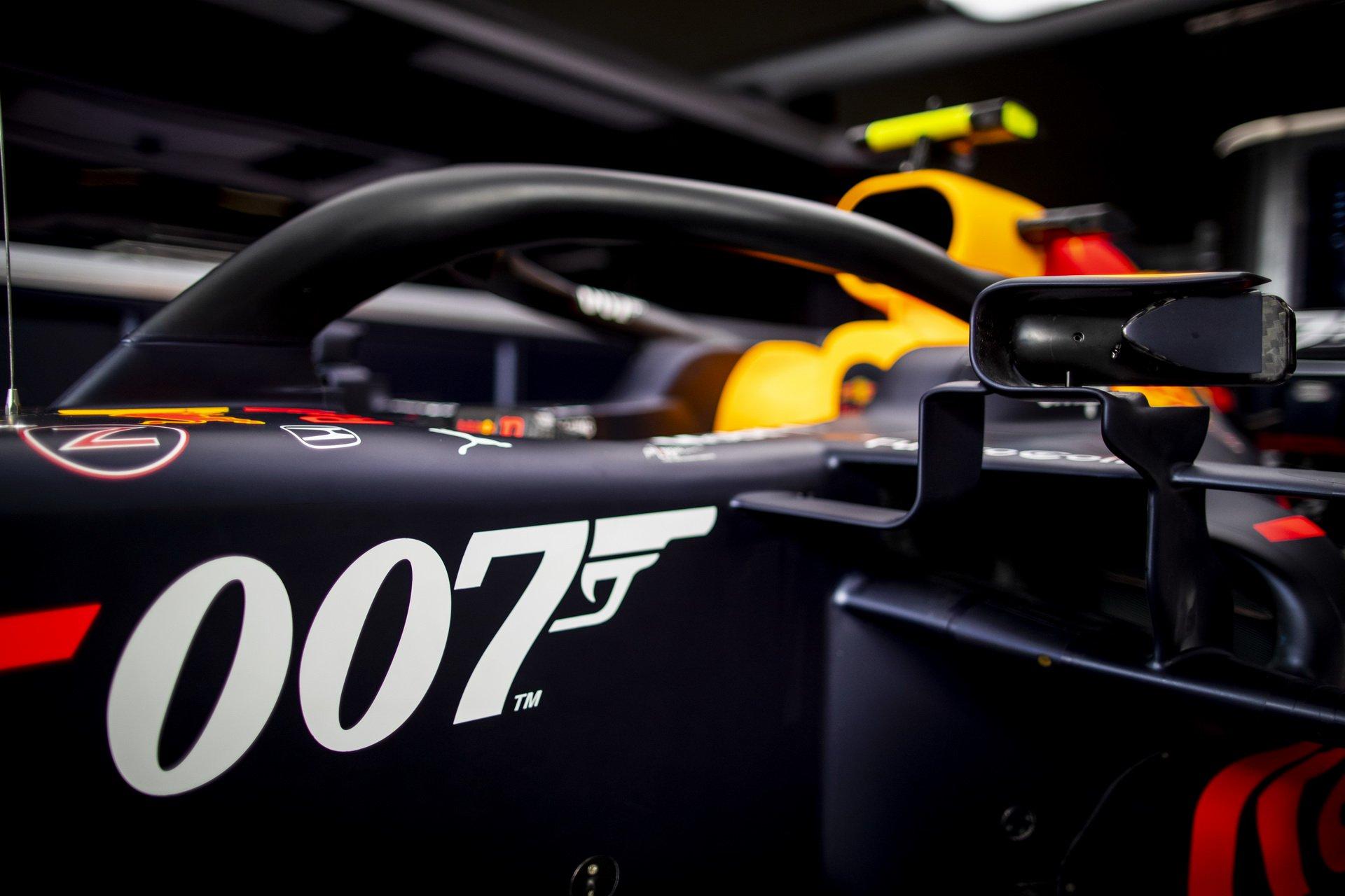 Aston Martin świętuje współpracę z Jamesem Bondem