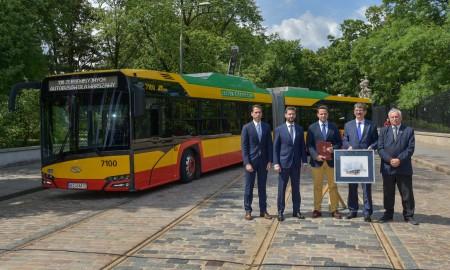 130 autobusów elektrycznych dla Warszawy