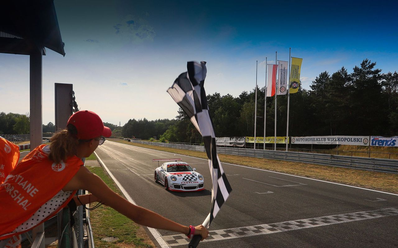 Półmetek Wyścigowych Samochodowych Mistrzostw Polski