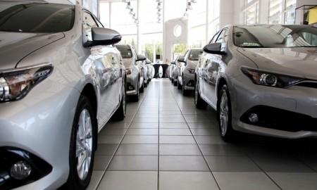 Spadki sprzedaży w branży motoryzacyjnej