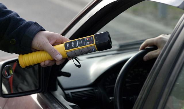 Polacy chcą więcej kontroli trzeźwości na drogach
