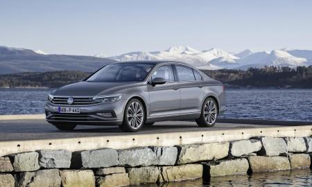 VW Passat – debiut wersji bazowej