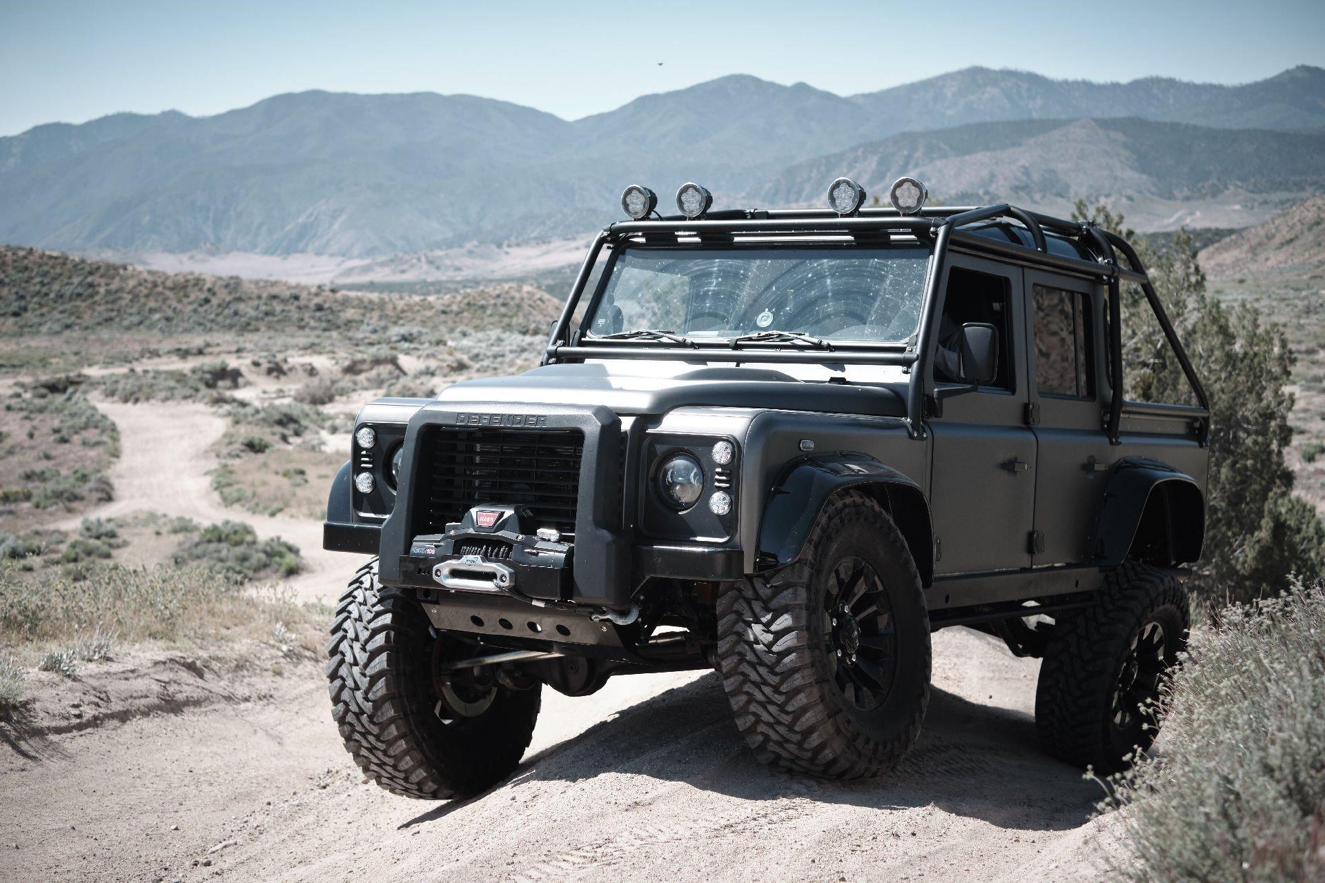 Land Rover Defender – W stylu Bonda