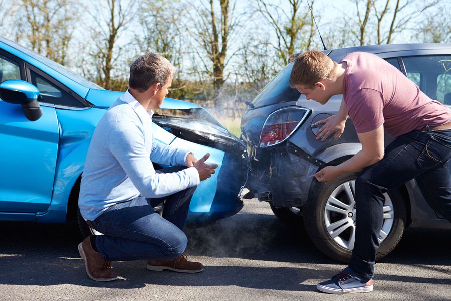 Stłuczka wypożyczonym samochodem na minuty może słono kosztować