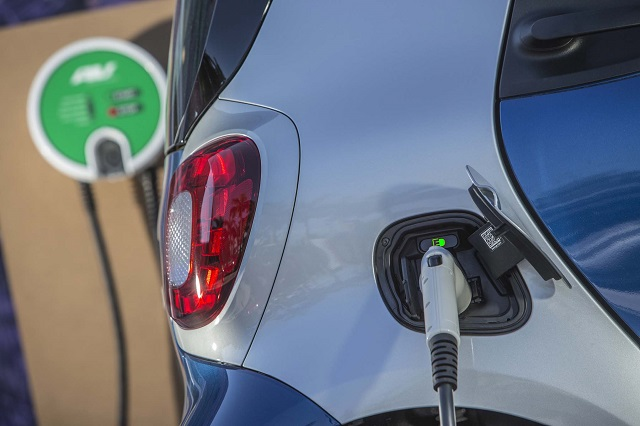 Kradną pojazdy elektryczne dla akumulatorów