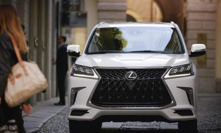 Lexus rezerwuje oznaczenie LX 600