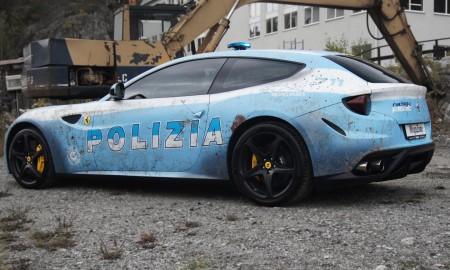 Ferrari FF – podrobiony radiowóz włoskiej policji?