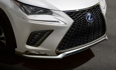 Lexus szykuje pierwszą hybrydę plug-in