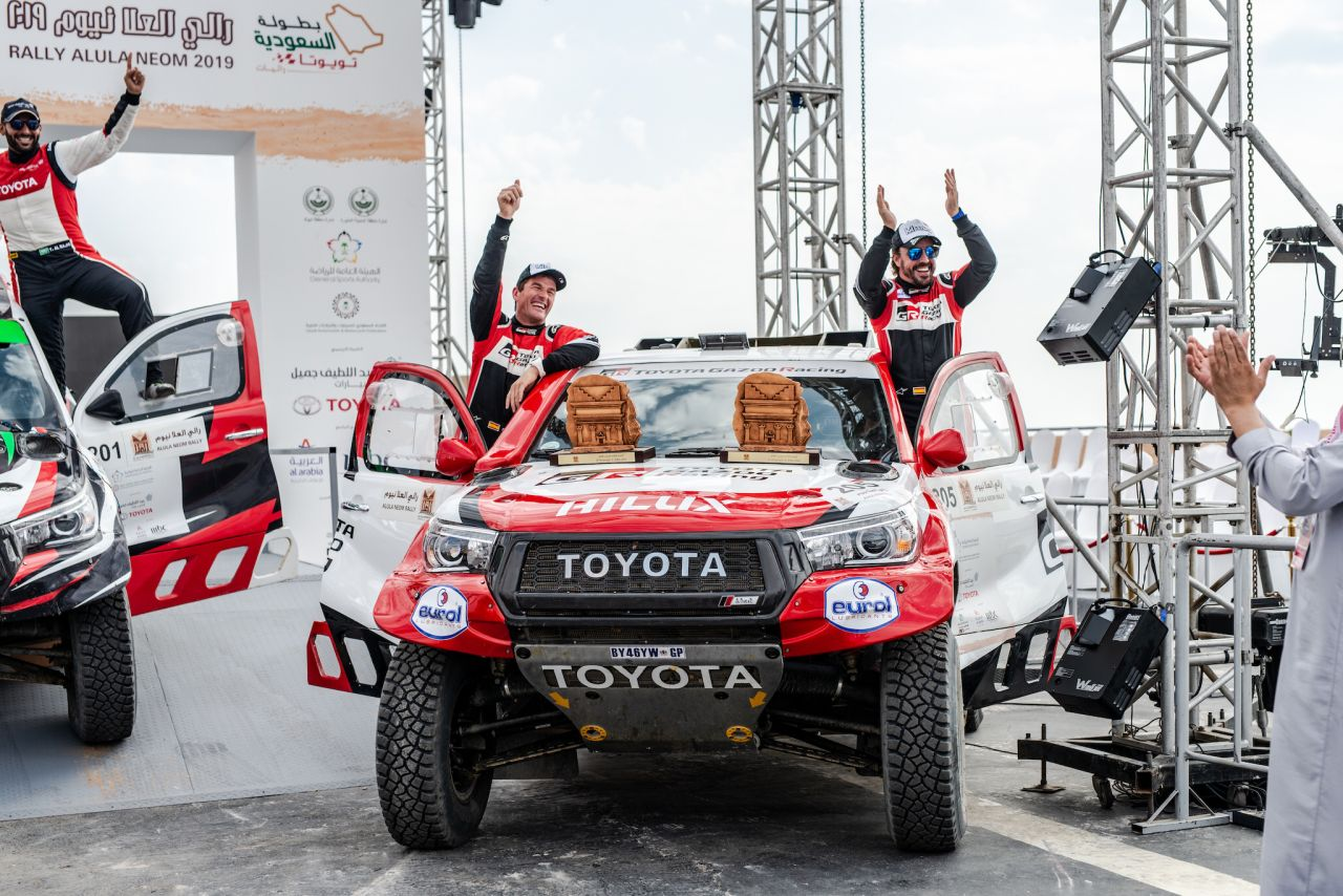Pierwszy sukces Alonso w Toyocie Hilux przed Rajdem Dakar