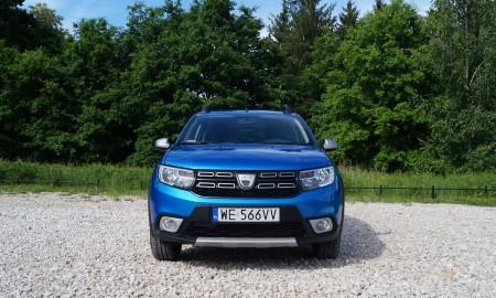 Dacia Sandero TCe 90 5 MT Stepway Laureate – Pozory mylą