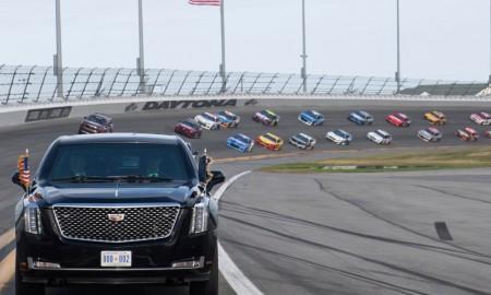 Limuzyna Prezydenta Trumpa na torze Daytona 500