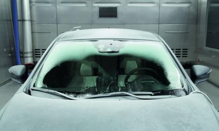 Zaparowane szyby w samochodzie – jak im zaradzić?