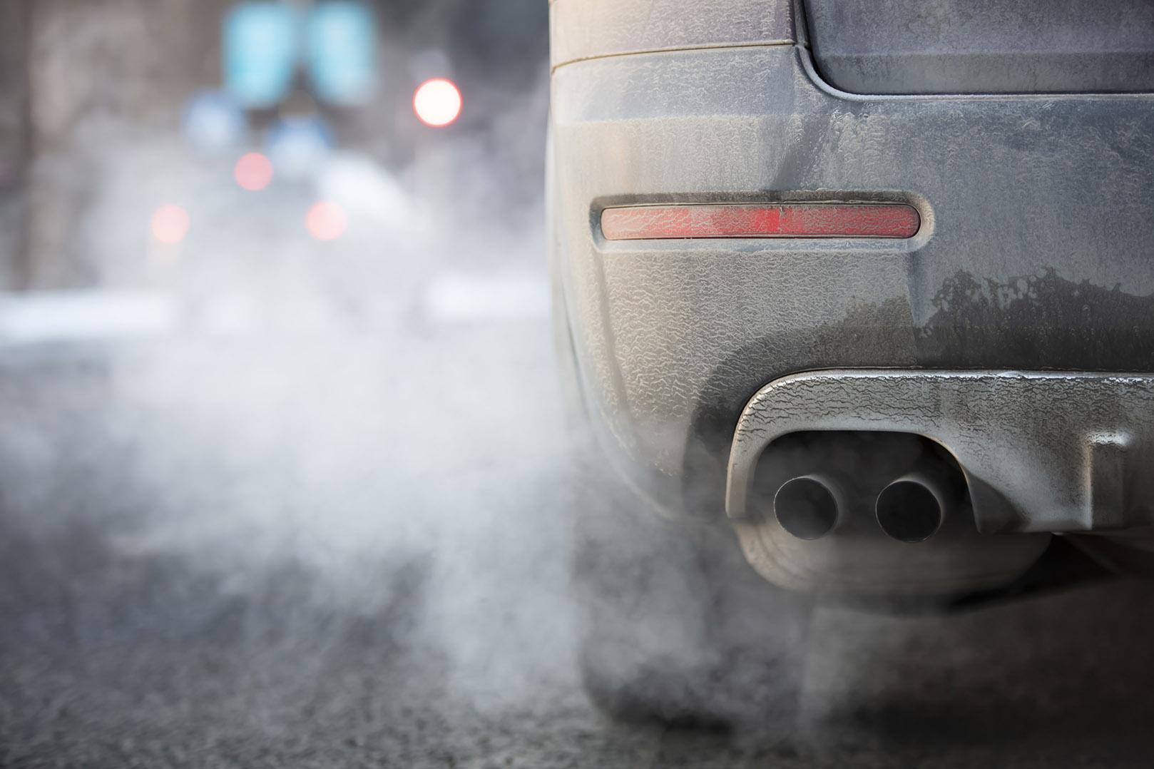 Producenci aut zapłacą 14,5 mld euro za przekroczenie unijnych norm emisji CO2