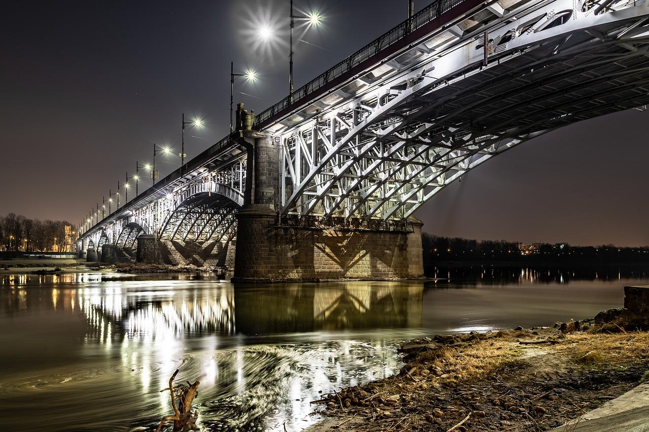 Most Poniatowskiego w Warszawie - odcinkowy pomiar prędkości czy fotoradary?