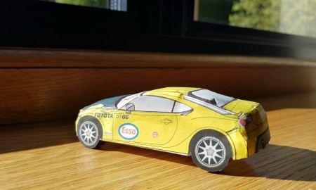 Zbuduj własną Toyotę GT86 z papieru