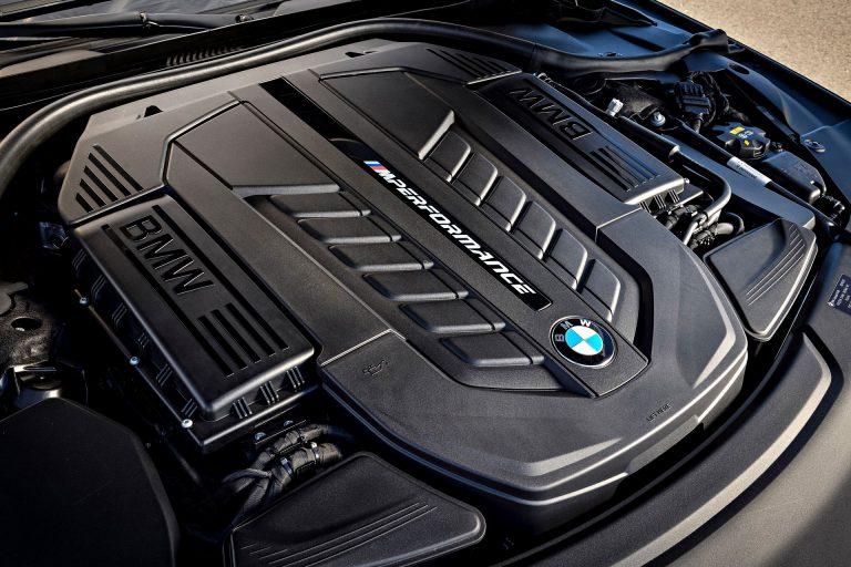 BMW M760Li wycofane z oferty jeszcze tej jesieni?