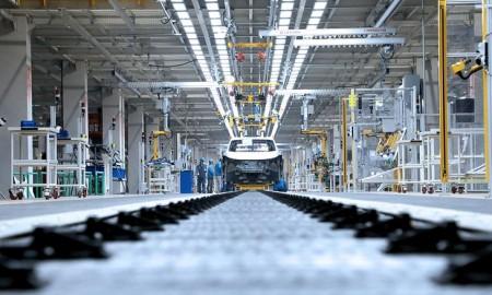 Branża motoryzacyjna nie wyprodukowała ok. 2 mln aut
