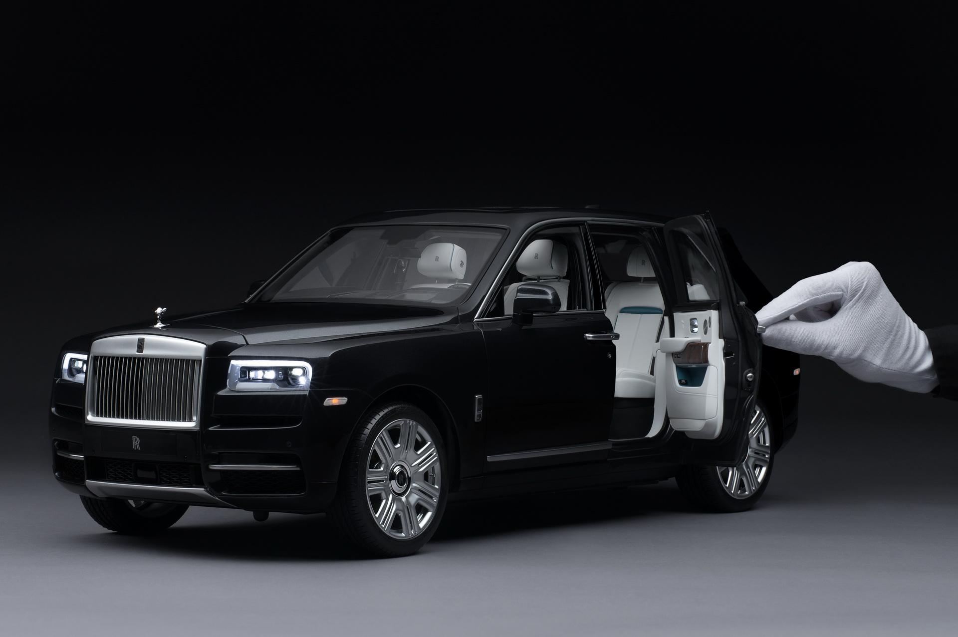 Rolls-Royce Cullinan w skali 1:8 – Jak prawdziwy