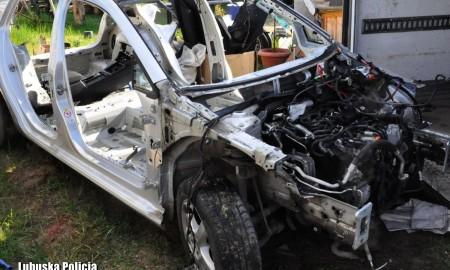 """Chciał wyłudzić odszkodowanie za auto, które odprowadzono do """"dziupli"""""""
