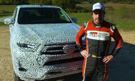 Toyota Hilux testowana przez Fernando Alonso