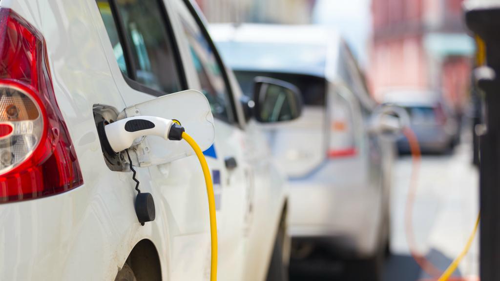 Rynek aut elektrycznych po pandemii czeka dynamiczny wzrost