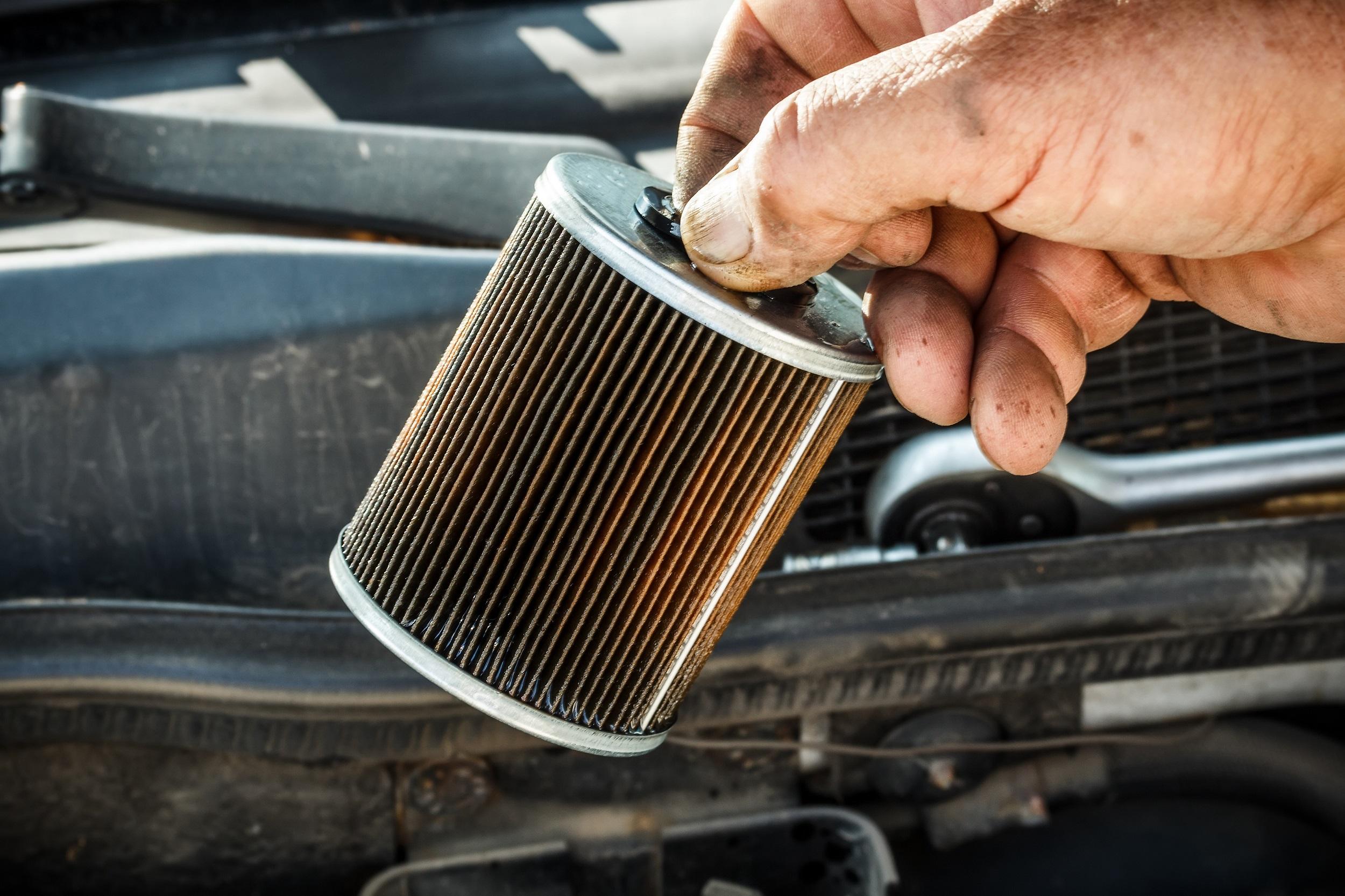 Zapchany filtr oleju i paliwa