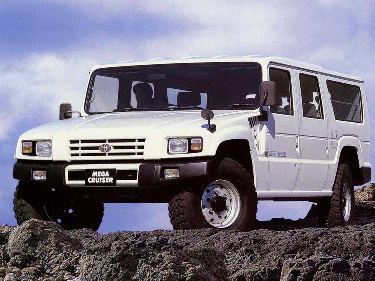 Toyota Mega Cruiser – W stylu Hummera