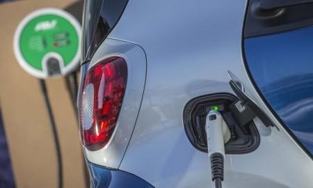 Kiedy samochody elektryczne zdominują polskie drogi?
