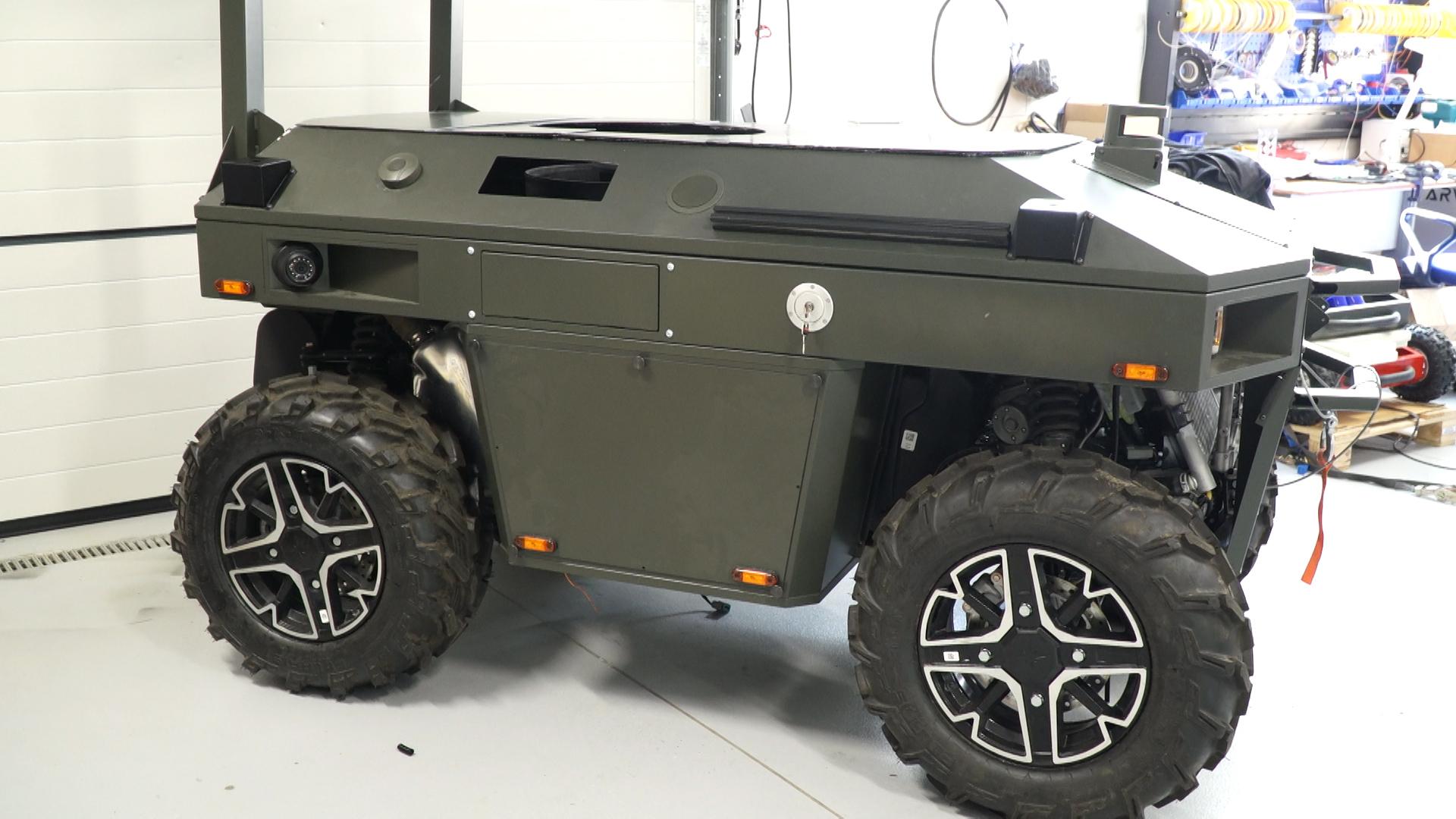 Autonomiczne i uzbrojone pojazdy wkraczają na pola walki