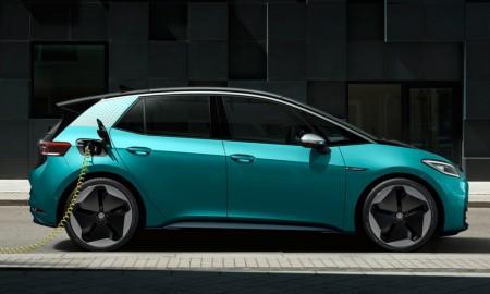 Samochody elektryczne mają coraz większe zasięgi i można je szybko ładować
