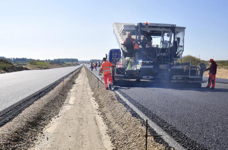 Kolejne przetargi na budowę dróg