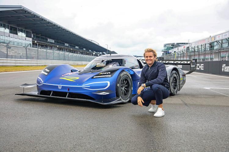 Nico Rosberg za kierownicą Volkswagena ID.R