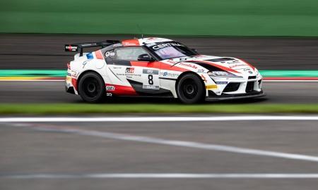 Toyota GR Supra GT4 wygrywa na torze w Spa