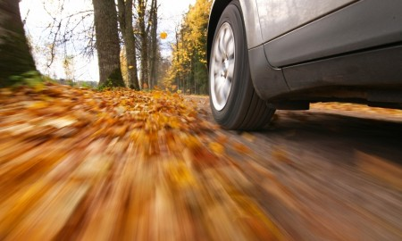 O czym trzeba pamiętać jesienią? Rady mechaników