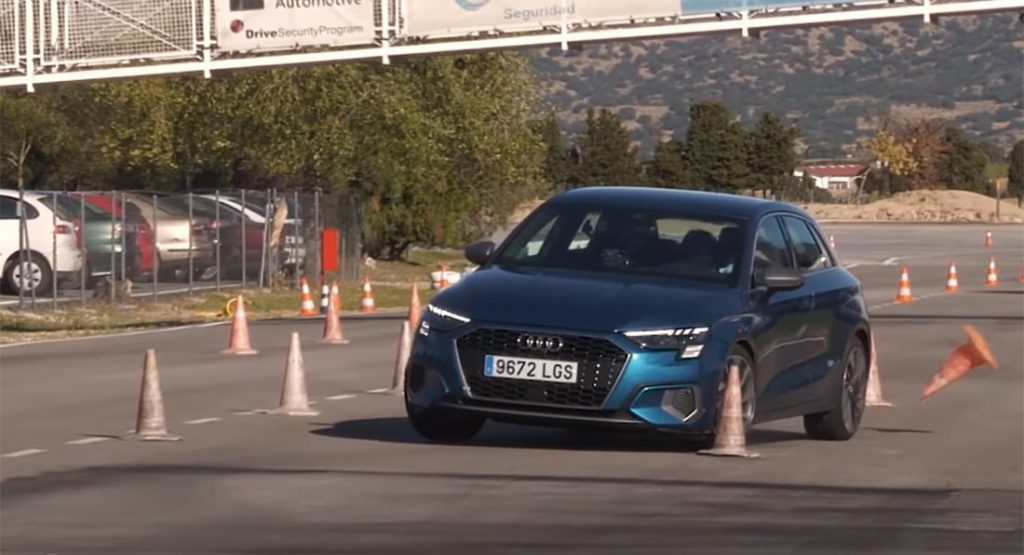 Audi A3 Sportback 2020 ofiarą testu łosia