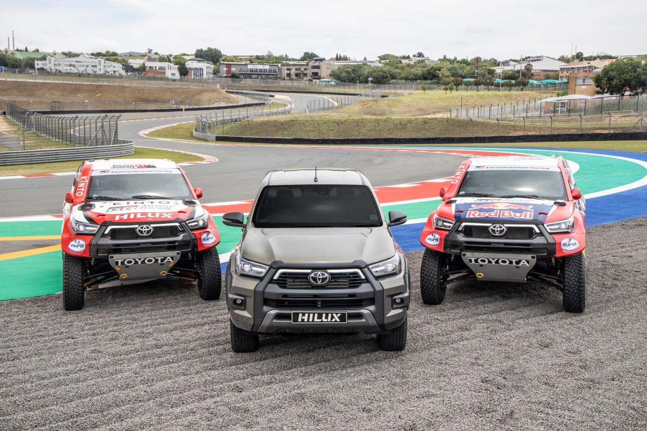 Zespół Toyoty z czterema Hiluxami na Rajdzie Dakar 2021