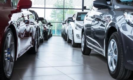 Auta z wyprzedaży z rabatami od ok. 10 proc., ale marki premium od 20 proc.