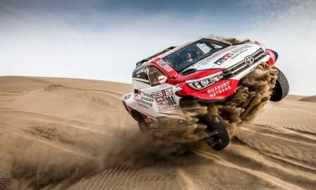 Dakarowa Toyota Hilux na sprzedaż