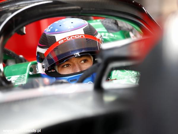 Kelvin van der Linde w wirtualnym świecie Formuły E