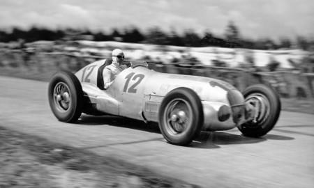 Rudolf Caracciola: gwiazda w panteonie kierowców wyścigowych
