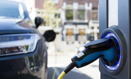 Kto kupuje elektryczne auta w Polsce?