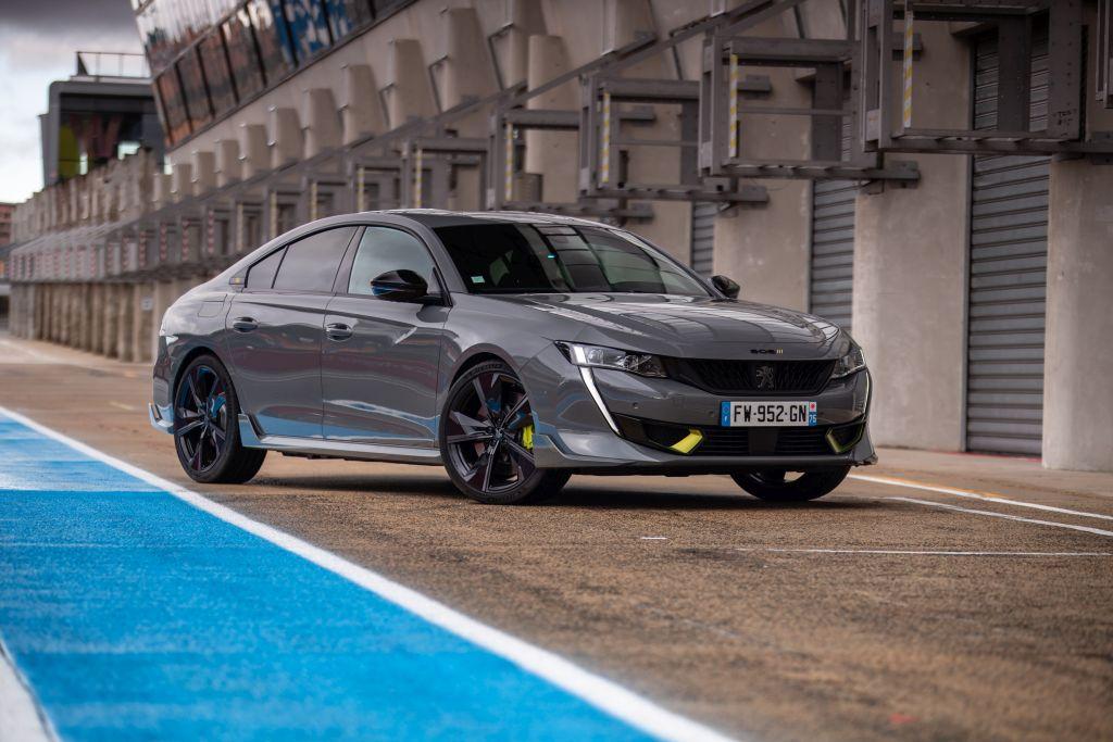 Peugeot 508 Sport Engineered w rękach kierowców zespołu Peugeota