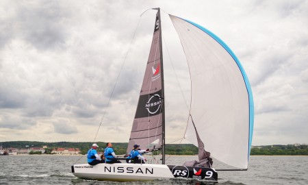 Nissan wspiera Polską Ligę Żeglarską