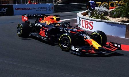 Max Verstappen na czele stawki F1