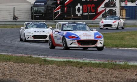 Ratajczak najszybszy w Mazda MX-5 Cup